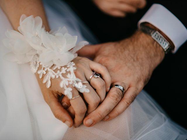 Le mariage de Damien et Beverly à Rousson, Gard 59