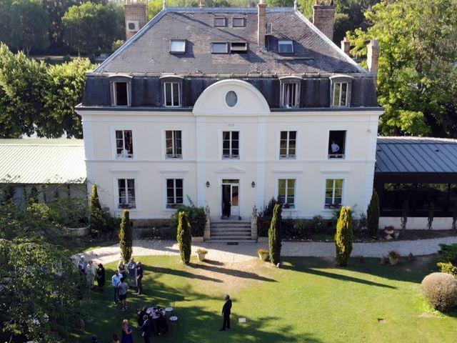Le mariage de Jonathan et Kim à Le Coudray-Montceaux, Essonne 3