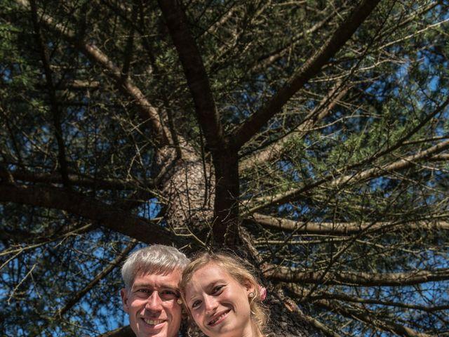 Le mariage de Xavier et Clotilde à Cubzac-les-Ponts, Gironde 2