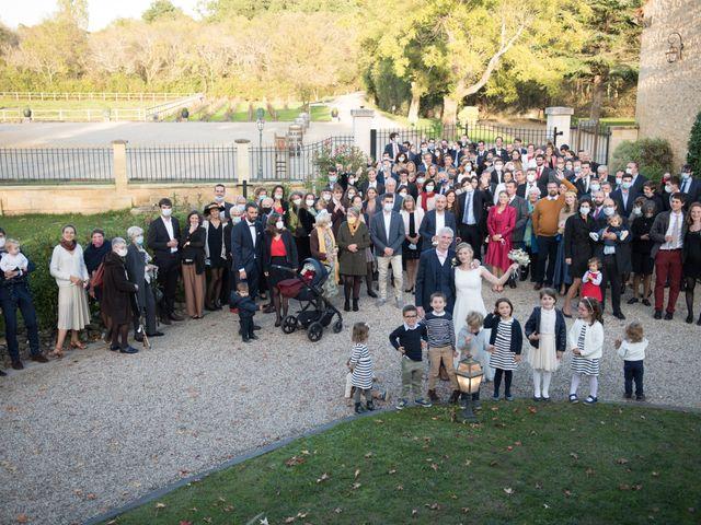 Le mariage de Xavier et Clotilde à Cubzac-les-Ponts, Gironde 10
