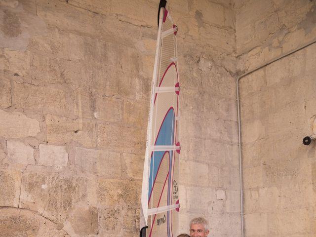 Le mariage de Xavier et Clotilde à Cubzac-les-Ponts, Gironde 11