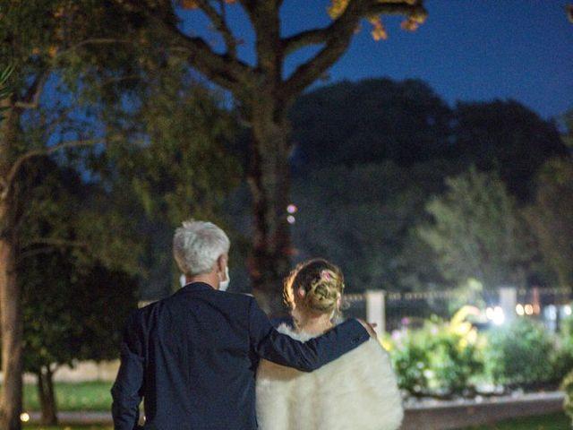 Le mariage de Xavier et Clotilde à Cubzac-les-Ponts, Gironde 20