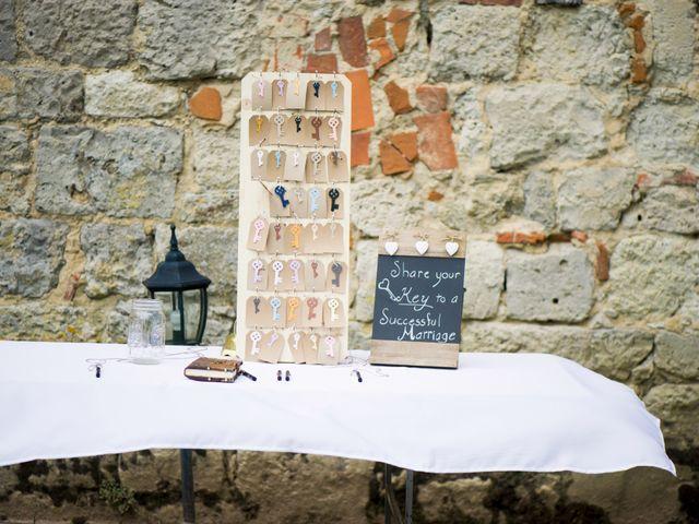 Le mariage de James et Anna à Goudourville, Tarn-et-Garonne 5