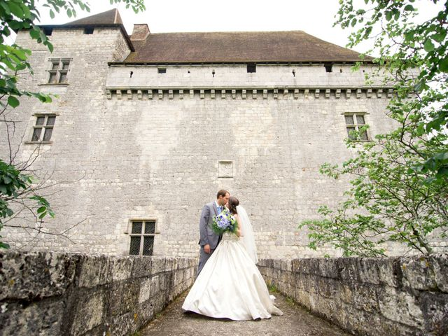 Le mariage de James et Anna à Goudourville, Tarn-et-Garonne 2