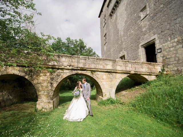 Le mariage de James et Anna à Goudourville, Tarn-et-Garonne 34