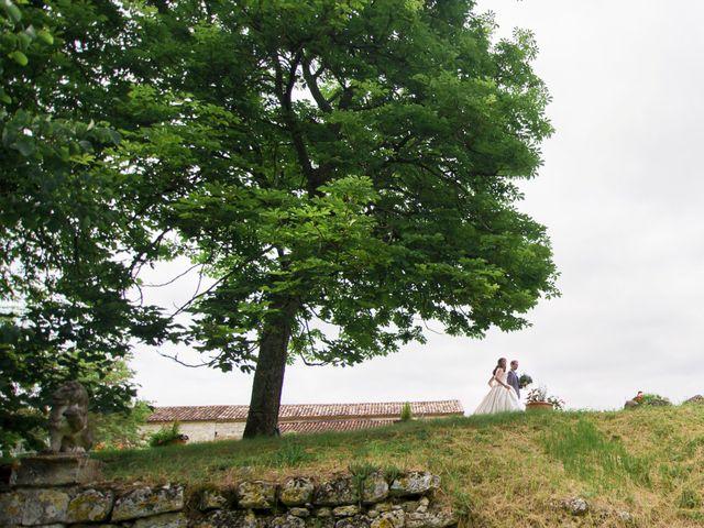Le mariage de James et Anna à Goudourville, Tarn-et-Garonne 35