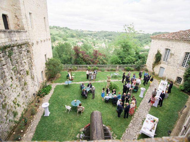 Le mariage de James et Anna à Goudourville, Tarn-et-Garonne 37