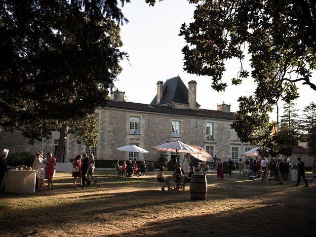 Le mariage de Antoine et Claire à Lignan-de-Bordeaux, Gironde 32