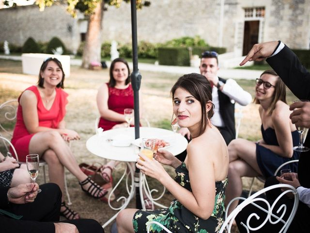 Le mariage de Antoine et Claire à Lignan-de-Bordeaux, Gironde 35