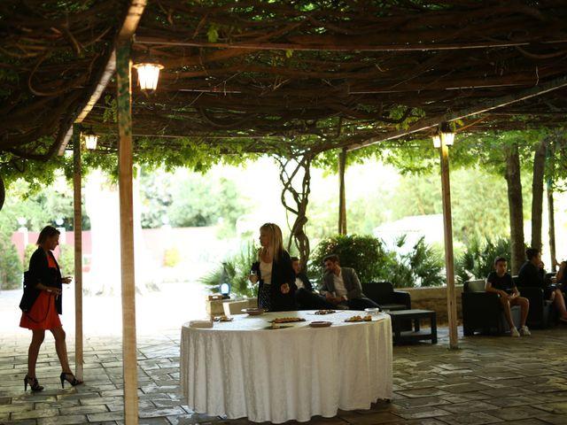 Le mariage de Christian et Delhia à Nîmes, Gard 12