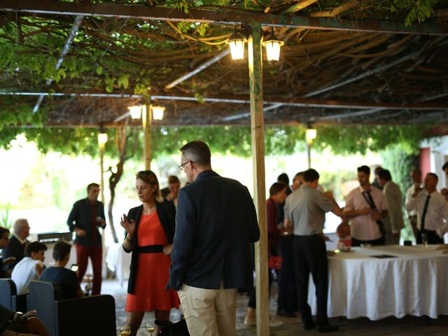 Le mariage de Christian et Delhia à Nîmes, Gard 15