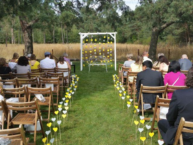 Le mariage de Alexandre et Claire à Arbonne la Forêt, Seine-et-Marne 21
