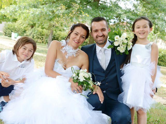 Le mariage de Raphaël et Carène à Saint-Étienne-sur-Chalaronne, Ain 12