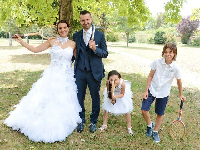 Le mariage de Raphaël et Carène à Saint-Étienne-sur-Chalaronne, Ain 13