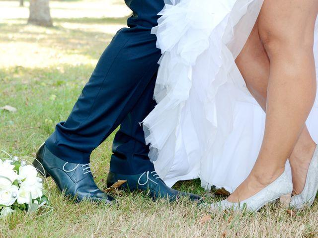Le mariage de Raphaël et Carène à Saint-Étienne-sur-Chalaronne, Ain 1