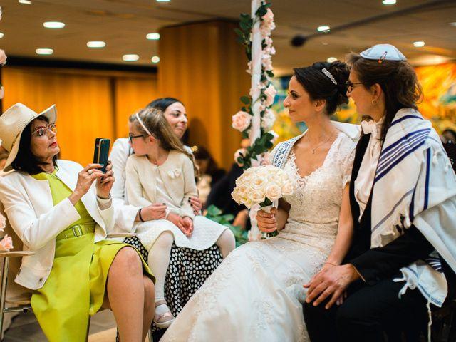 Le mariage de Emmanuelle et Olga à Paris, Paris 14