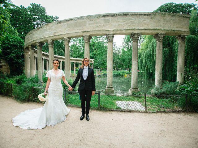 Le mariage de Emmanuelle et Olga à Paris, Paris 19
