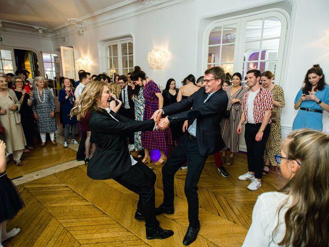 Le mariage de Emmanuelle et Olga à Paris, Paris 30