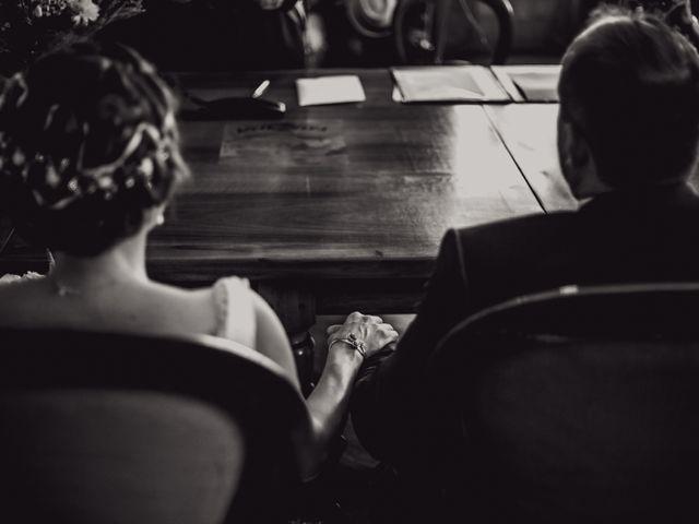 Le mariage de Alexandre et Isabelle à Saint-Gilles, Gard 6