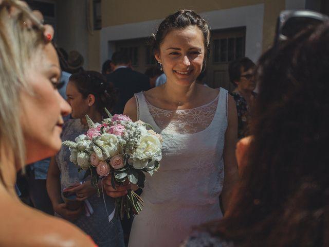 Le mariage de Alexandre et Isabelle à Saint-Gilles, Gard 9