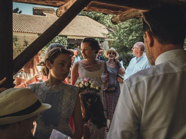 Le mariage de Alexandre et Isabelle à Saint-Gilles, Gard 10