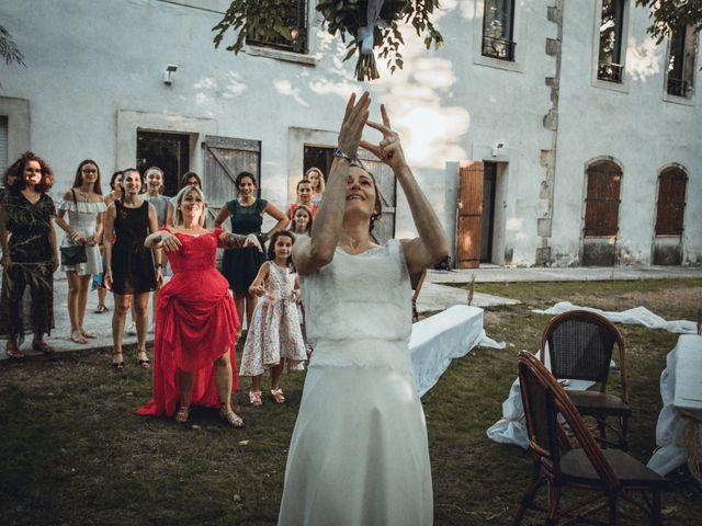 Le mariage de Alexandre et Isabelle à Saint-Gilles, Gard 20