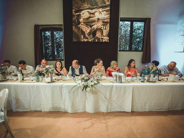 Le mariage de Alexandre et Isabelle à Saint-Gilles, Gard 21