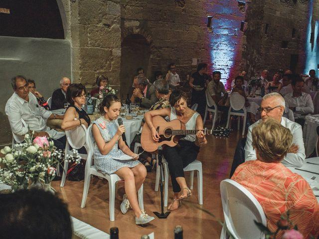 Le mariage de Alexandre et Isabelle à Saint-Gilles, Gard 22