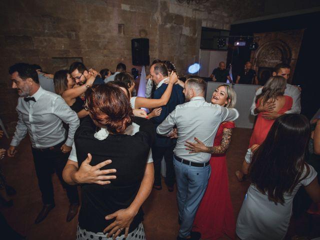 Le mariage de Alexandre et Isabelle à Saint-Gilles, Gard 24