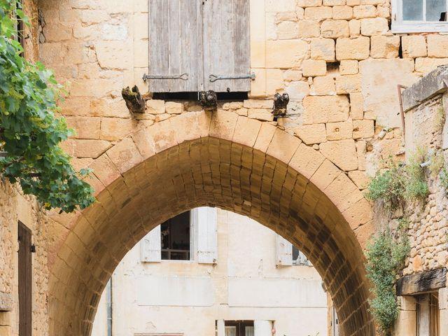 Le mariage de Julien et Aurélie à Cadouin, Dordogne 25