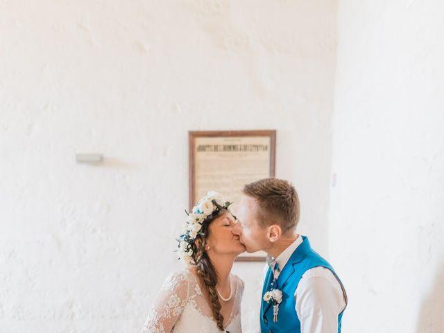 Le mariage de Julien et Aurélie à Cadouin, Dordogne 32