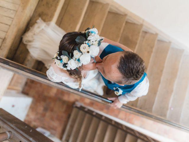 Le mariage de Julien et Aurélie à Cadouin, Dordogne 46