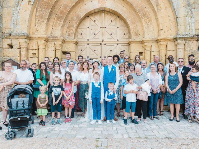 Le mariage de Julien et Aurélie à Cadouin, Dordogne 56