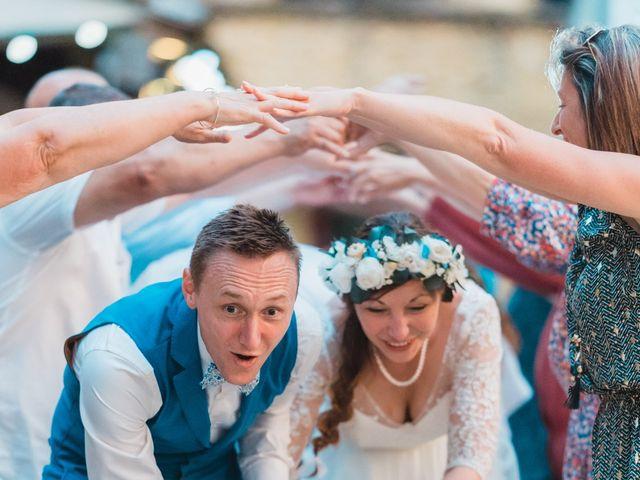 Le mariage de Julien et Aurélie à Cadouin, Dordogne 115