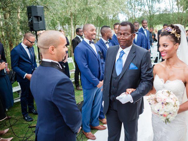 Le mariage de Eddy et Cristelle à La Boissière-École, Yvelines 32