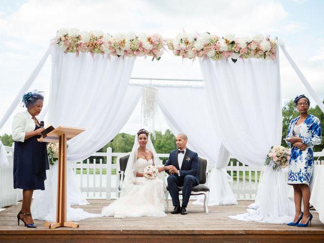 Le mariage de Eddy et Cristelle à La Boissière-École, Yvelines 38