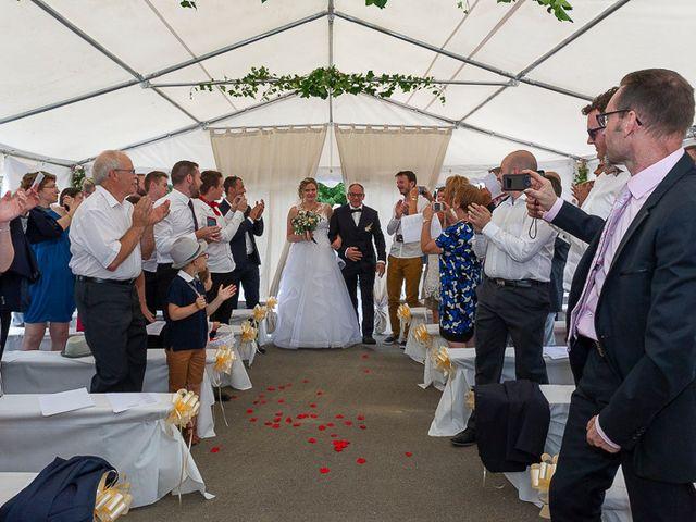 Le mariage de Clément et Amandine à Beuvillers, Calvados 15