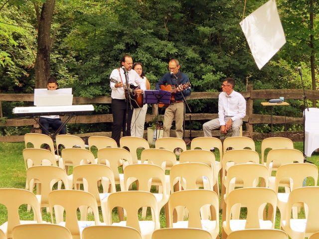 Le mariage de Valentin et Justine à Allan, Drôme 22