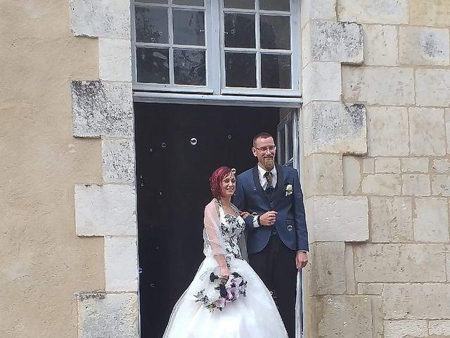 Le mariage de Thomas et Stéphanie à Taillebourg, Charente Maritime 4