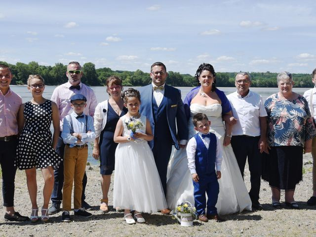 Le mariage de Romain et Angélique à Les Rosiers-sur-Loire, Maine et Loire 1
