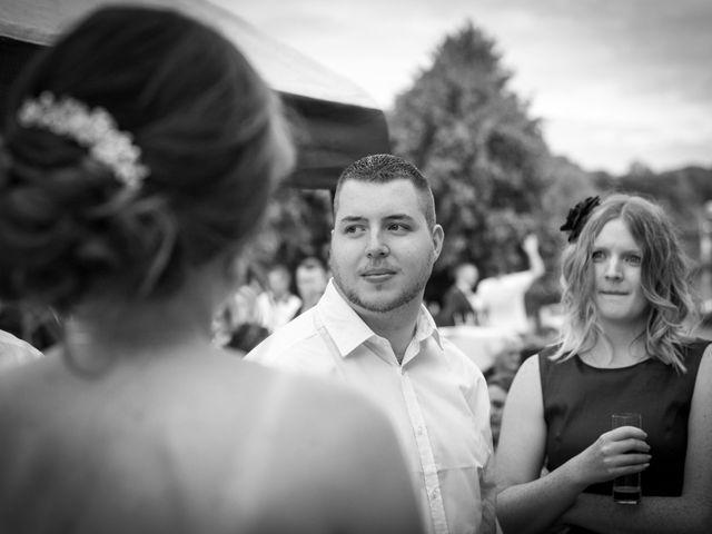 Le mariage de Nicolas et Sophie à Cléres, Seine-Maritime 48
