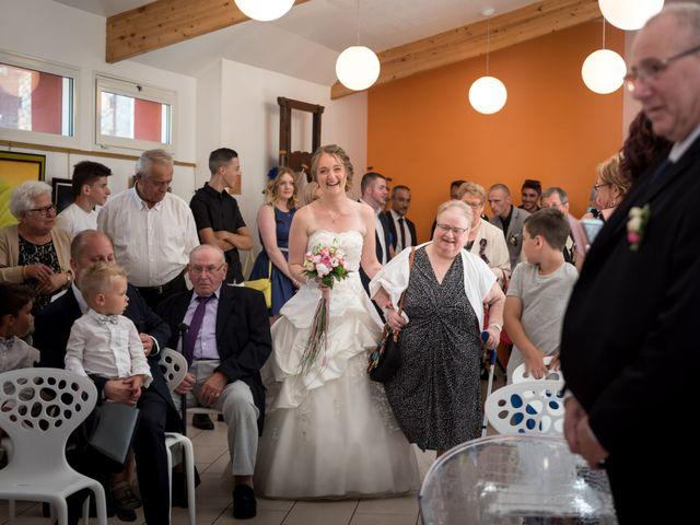 Le mariage de Nicolas et Sophie à Cléres, Seine-Maritime 3