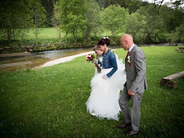 Le mariage de Mickaël et Gaëlle à Chaux-des-Crotenay, Jura 18