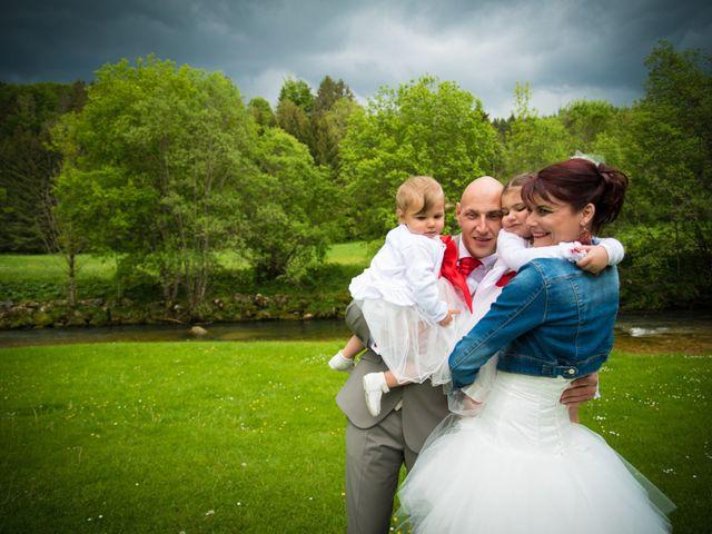 Le mariage de Mickaël et Gaëlle à Chaux-des-Crotenay, Jura 24