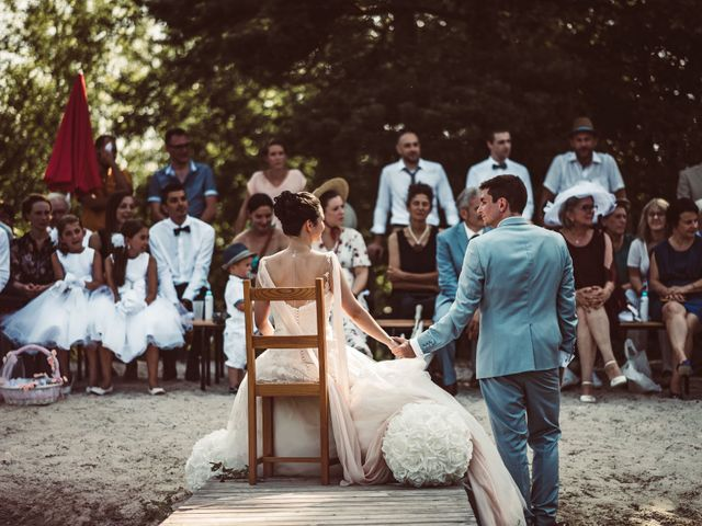 Le mariage de Valentin et Claire à Milhac-de-Nontron, Dordogne 17