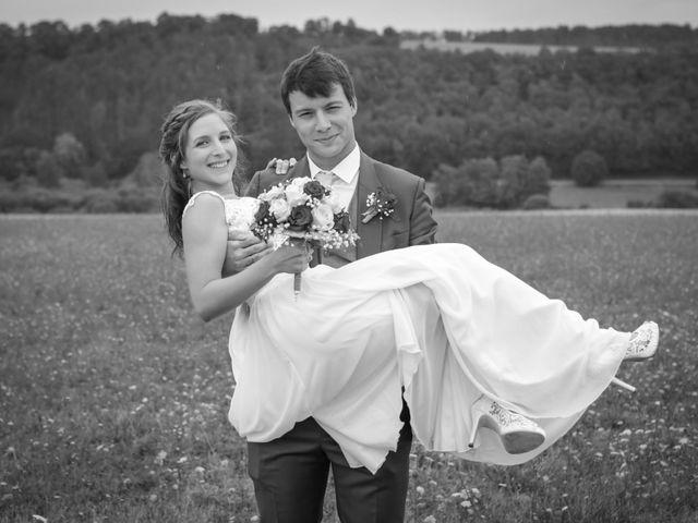 Le mariage de Gabriel et Alice à Druyes-les-Belles-Fontaines, Yonne 6