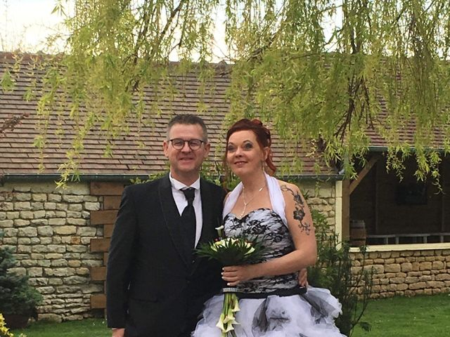 Le mariage de Olivier et Natacha à Cauvicourt, Calvados 29