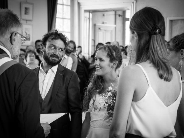 Le mariage de Luc et Marion à Salins-les-Bains, Jura 1
