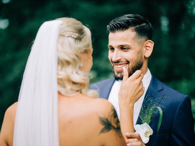 Le mariage de Tayeb et Soléne à Saint-Julien-en-Genevois, Haute-Savoie 11