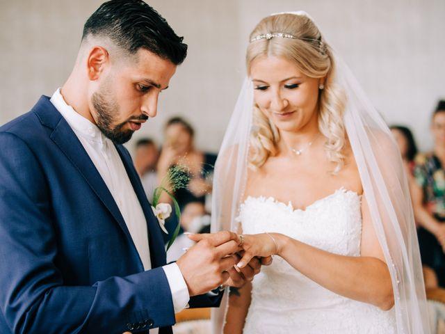 Le mariage de Tayeb et Soléne à Saint-Julien-en-Genevois, Haute-Savoie 14